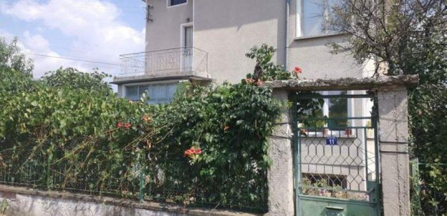 Етаж от къща Павел Баня